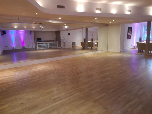 OecherDeal präsentiert Dance Point Aachen